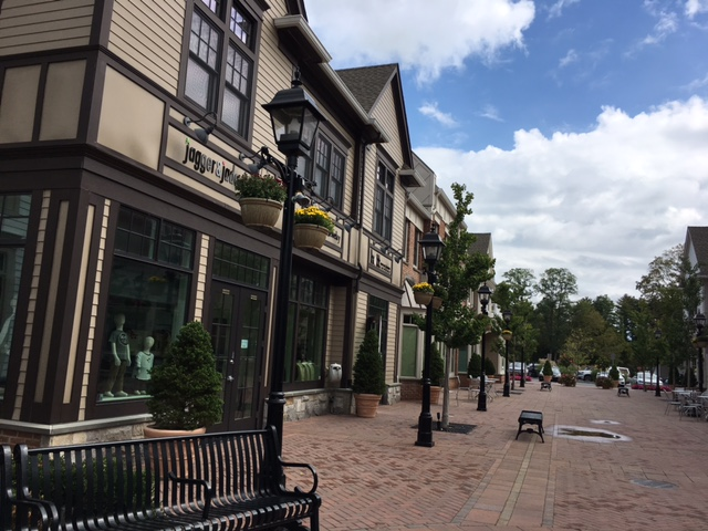 Armonk Square Commercial 3